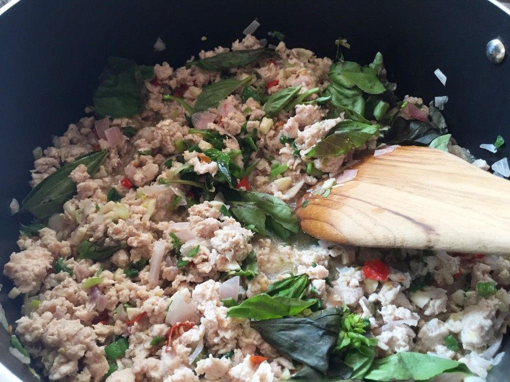 Thai Cooking – Thai Style Basil Chicken Recipe